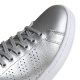 Adidas-Advantage-utcai-cipo-ezust-feher-EE8197